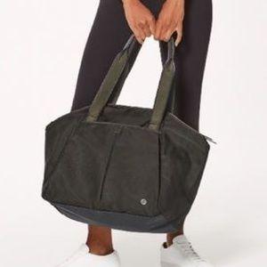 Lululemon Free To Be Bag
